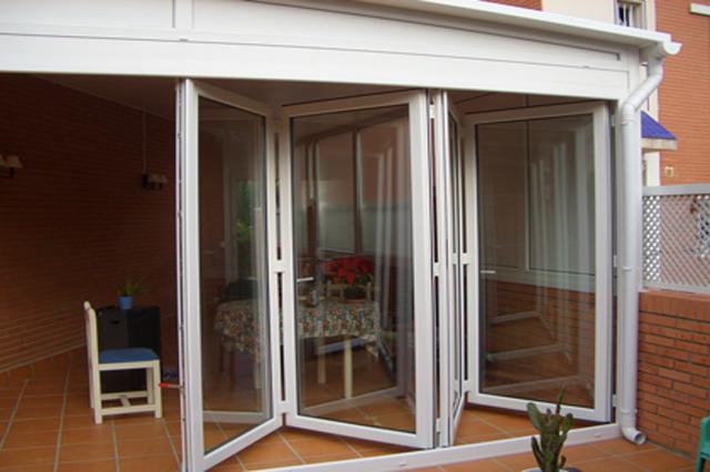 Nova montigal toldos persianas carpinter a de aluminio - Puertas plegables de aluminio ...